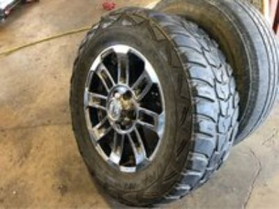 Set of 4-20 Tundra rims- tire 32-12.50-20.... all in great shape... rims and tires $700, call J...