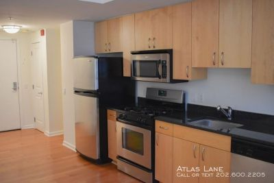 1BD/1.5BA Apartment in Mt Vernon Triangle - Utilities Included!