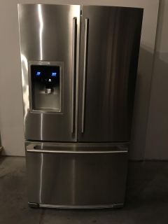 Refrigerator, French Door style, Stainless Steel, 28cft, Electrolux, Broken Icemaker