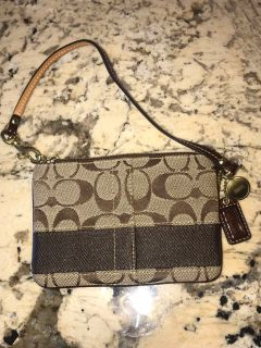 Authentic Brown Coach Wristlet perfect condition