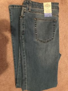 The most comfortable jeans ever! St. John s Bay size 16 Straight leg. Ladies