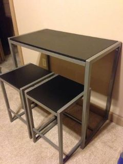 Trendy High Table w 2 Barstools