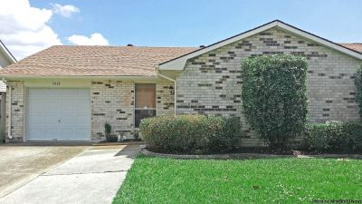 3 Beds/2 Baths, 1842 Living Area, Renovated & Updated Home For Lease!