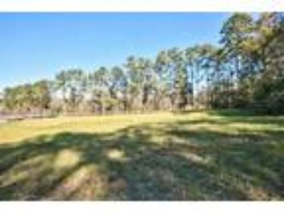 Quincy Land for Sale - 1.22 acres