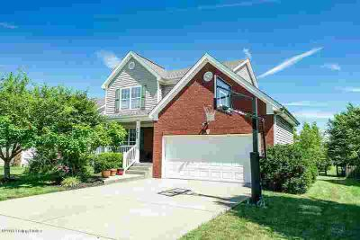 1022 Station Pointe Ln Simpsonville Three BR, Welcome to this