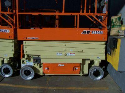 2004 JLG 2630ES
