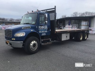 2007 Freightliner M2 106 T/A Flatbed Truck