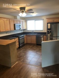 Cozy 2 bed 1 bath house in West Hills!