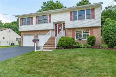 45 Kenmore Road EDISON, Stunning Four BR Two BA Split in sought