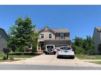 5 Bed 4 Bath Preforeclosure Property in Charlotte, NC 28269 - Brandybuck Dr