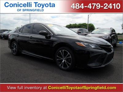 2018 Toyota Camry (Midnight Black Metallic)
