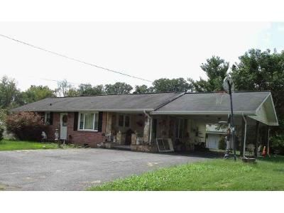 3 Bed 2 Bath Foreclosure Property in Kingsport, TN 37660 - Grandview Dr