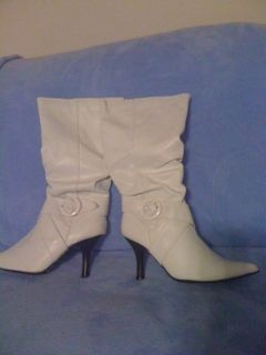 REDUCED!New,sz.8,sexy white boots