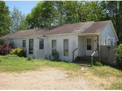 2 Bed 1 Bath Foreclosure Property in Lake City, AR 72437 - Tupelo
