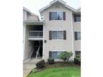 Lake Forest Park Real Estate Condo for Sale. $295,000 2bd/Two BA.
