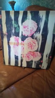 Painted floral wall decor