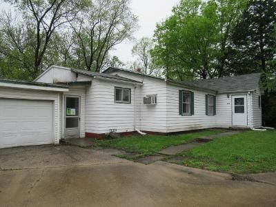 3 Bed 1 Bath Foreclosure Property in Champaign, IL 61820 - Bloomington Rd