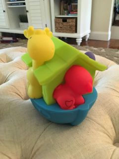 Boat toy with teething animals