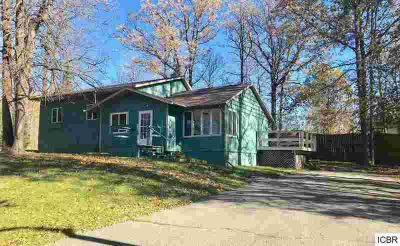 809 Rangeline Rd Grand Rapids Three BR, Spacious multi level home