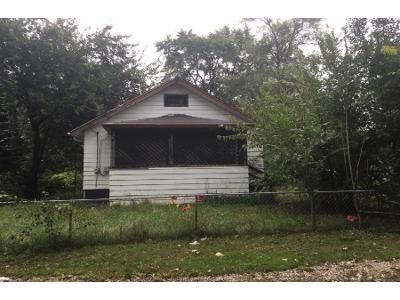 3 Bed 1 Bath Preforeclosure Property in Rockford, IL 61109 - Marshall St
