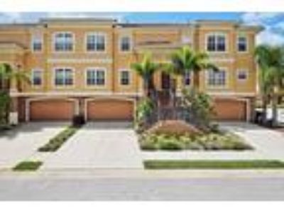 Beautiful Waterfront Townhouse in Gated Community