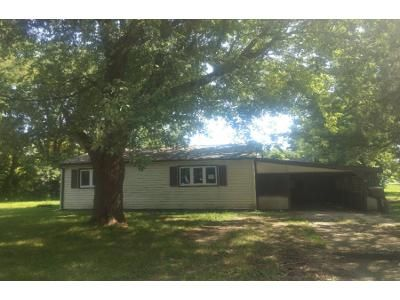 2 Bed 1 Bath Foreclosure Property in Elwood, IN 46036 - S N St