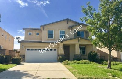 5 Bedroom + Den Anaverde Home For Rent in Palmdale