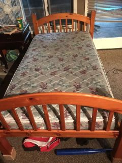 Bunk beds or 2 twin beds with mattress