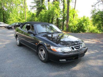 1999 Saab 9-3 Base (black)