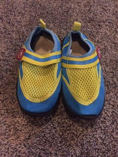 Boys waters shoes