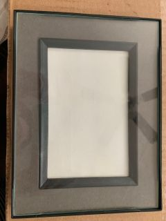 Photo frame-6x8 with 4x6 matte