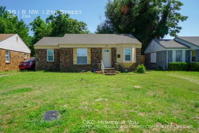 Recently updated 2 Bed Home with Quick Access to I-44!