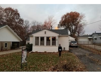 2 Bed 1 Bath Preforeclosure Property in East Peoria, IL 61611 - Doering Rd