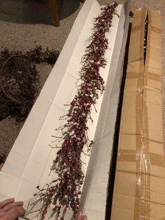 Frosted Berry Twig Garland (Used)