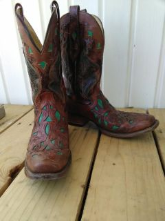 CORRAL BOOTS SIZE 10.5