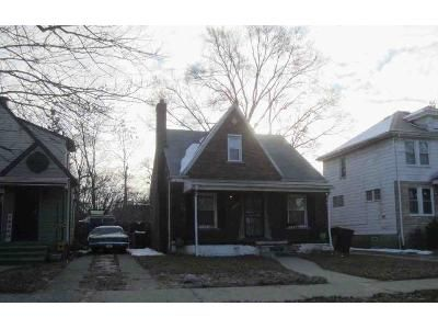 3 Bed 1 Bath Foreclosure Property in Detroit, MI 48235 - Robson St