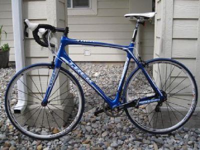 $2,300 2011 TREK 4.7 MADONE COMPACT W/EXTRAS