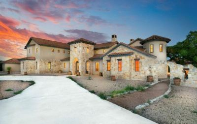 Hill Country Luxury Estate - 21.69 acres with Beautiful Views!