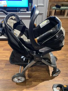 Chicco keyfit 30 stroller, car seat combo