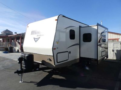 2019 Forest River ROCKWOOD 2104S, 1 SLIDE, FRONT MURPHY BED, REAR BATHROOM, OYSTER EXTERIOR, POWER AWNING, OUTSIDE BBQ GRILL