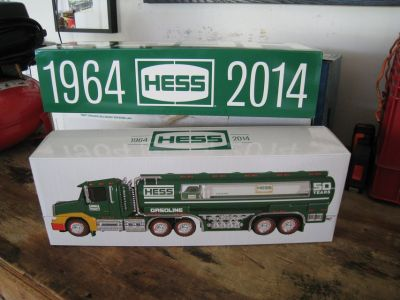 2014 HESS 50TH ANNIVERSARY COLLECTORS EDITION TRUCK W/ Original Box & Paperwork