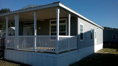 """New """"The Royal Palm"""" 2017 2/2 Jacobsen. Beautiful 2/2 Porch Home"""