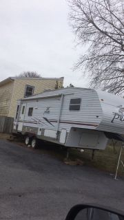 2006 Puma fifth wheel camper