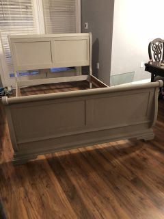 Queen size chippy farmhouse bed frame