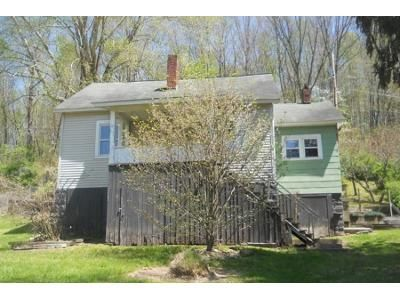 2 Bed 1 Bath Foreclosure Property in Pax, WV 25904 - Bottom Rd