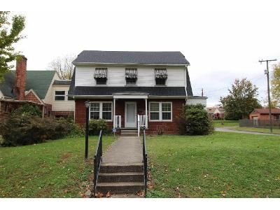 4 Bed 2 Bath Foreclosure Property in Huntington, WV 25701 - 11th Ave W