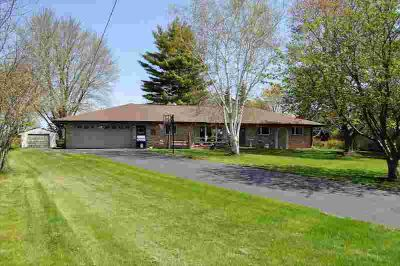 718 Emmer Ave Fredonia, All brick 3BD Two BA Ranch on country