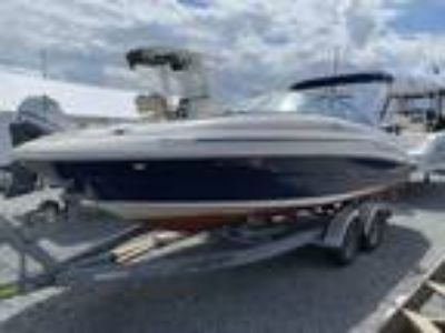 22' Sea Ray 220 Sundeck 2006