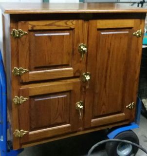 (VINTAGE) REPRODUCTION ICE/CABINET..... EXCELLENT CONDITION
