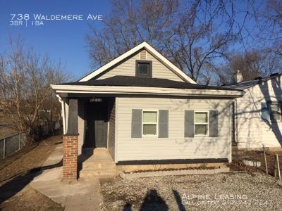 738 Waldemere Ave - Garden City/West 3BR House!